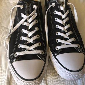 Black & White Men's Converse All Stars